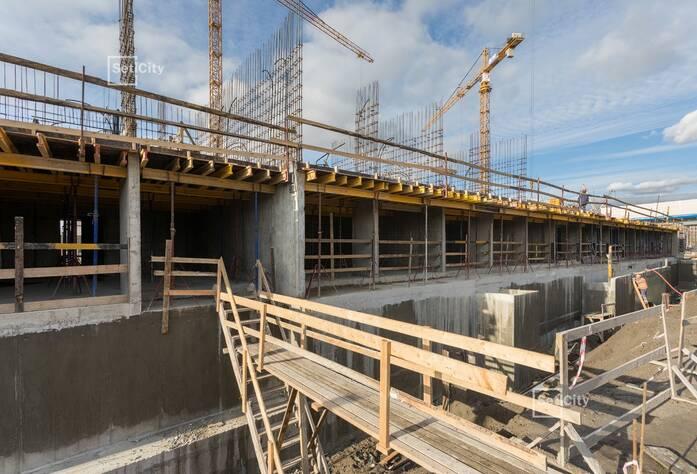 Закончены работы по монтажу стен технического этажа.