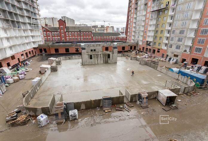 Завершены работы по монтажу стояков систем канализации, отопления и водоснабжения.