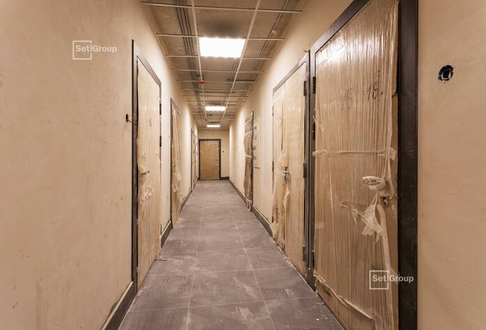 Выполнены работы по горизонтальной разводке водопровода и канализации в с/у квартир.