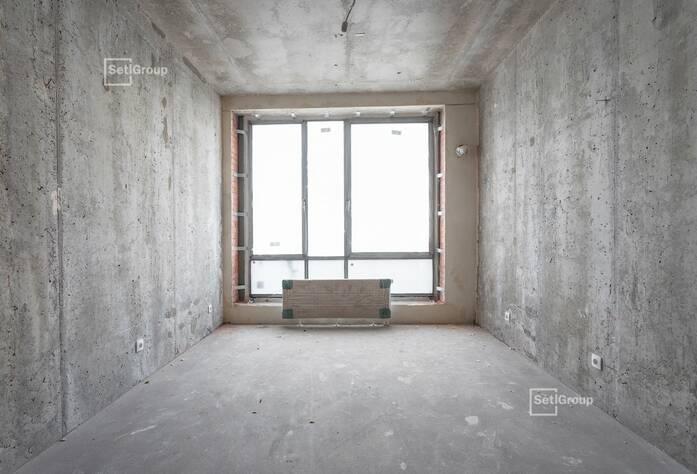 Производятся работы по установке электрической фурнитуры в квартирах, готовность 75%.