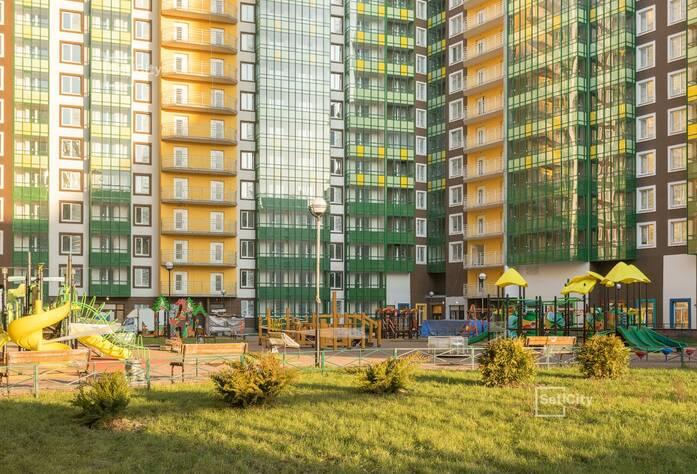 Завершены работы по оштукатуриванию стен квартир и МОП.