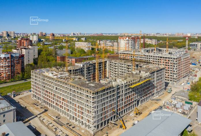 Завершено бетонирование стен и перекрытий 7 этажа.