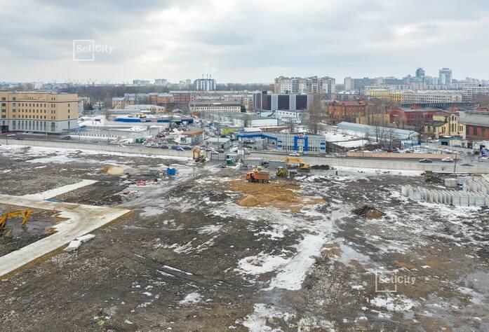 Выполняются работы по устройству временных дорог и площадок складирования строительных материалов.