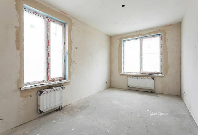 Осуществляются работы по нанесению штукатурки на стены в квартирах и МОП на уровне 11 и 12 этажей.