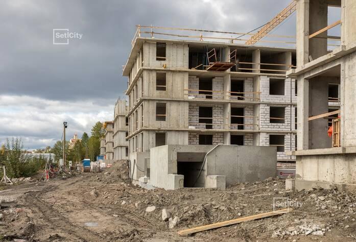Завершены работы по устройству монолитных конструкций на уровне 4 этажа.