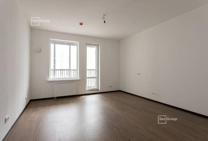 Осуществляются работы по монтажу санфаянсовых изделий в с/у квартир на уровне 12 этажа.