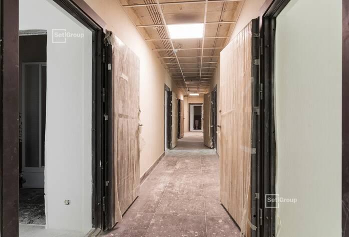 Завершены работы по укладке плитки в с/у квартир.