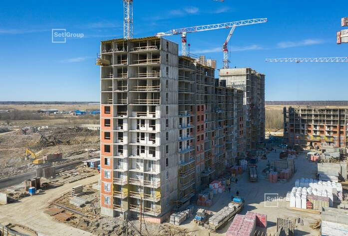 Производится комплекс работ по возведению надземной части здания.