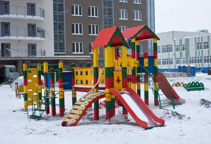 ЖК «Gusi-Лебеди» Д2 с Туристской ул., детская площадка