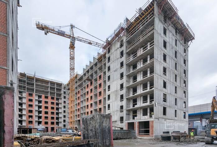 Закончены работы по устройству стен и плит перекрытия 8 и 9 этажей.