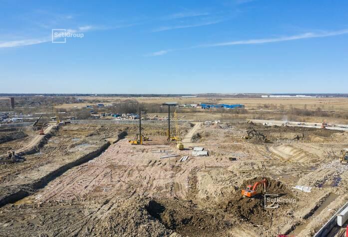 Продолжаются работы по планировке территории под проект организации строительства.