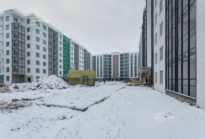 Завершаются работы по устройству фасадов с лесов, готовность 95%.