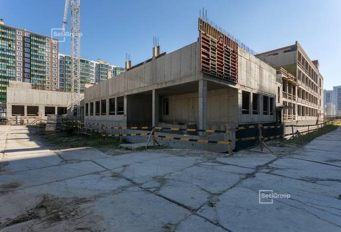 Выполняются работы по устройству монолитных конструкций надземной части здания 3 и 4 блоков на уровне 3 этажа.
