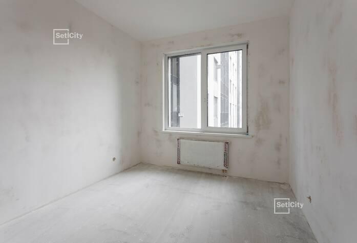 Продолжаются работы по устройству плитки в с/у квартир на уровне 1 этажа.