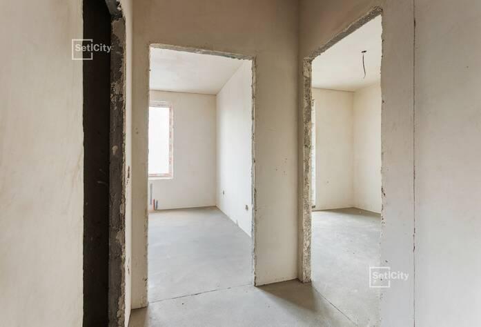 Завершаются работы по устройству монолитного каркаса здания на уровне 15 этажа.