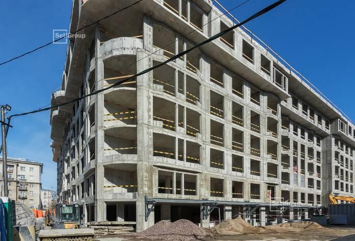 Выполнены работы по устройству каменной кладки стен 6 этажа.