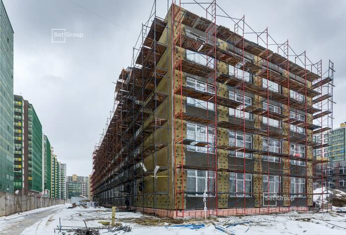 Близки к окончанию работы по устройству магистралей отопления в подвале 3 и 4 блоков, готовность 95%.
