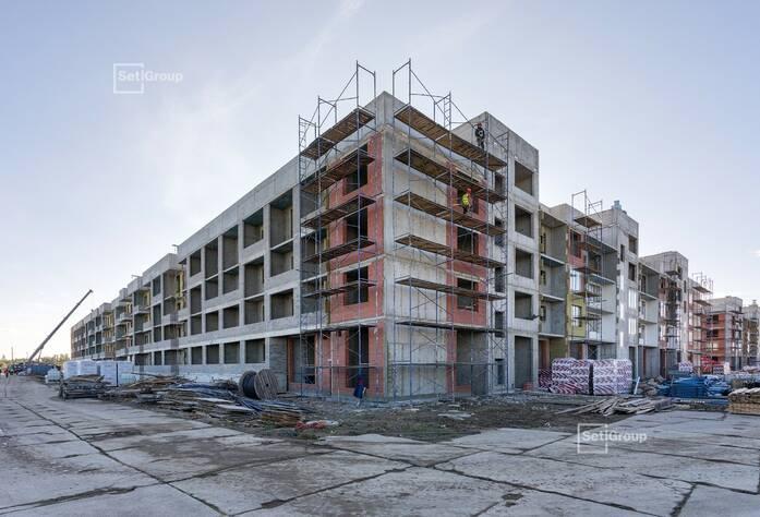 Выполнены работы по устройству монолитного каркаса здания.