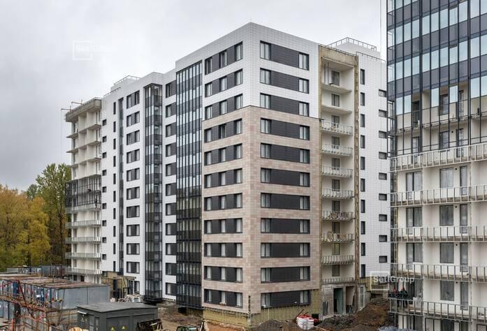 Завершены работы по устройству установочных коробов и базы квартирных электрощитов на уровне 11 этажа.