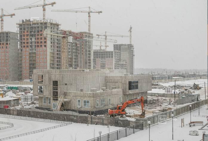 Завершены работы по устройству монолитных стен и плиты перекрытия 3 этажа.