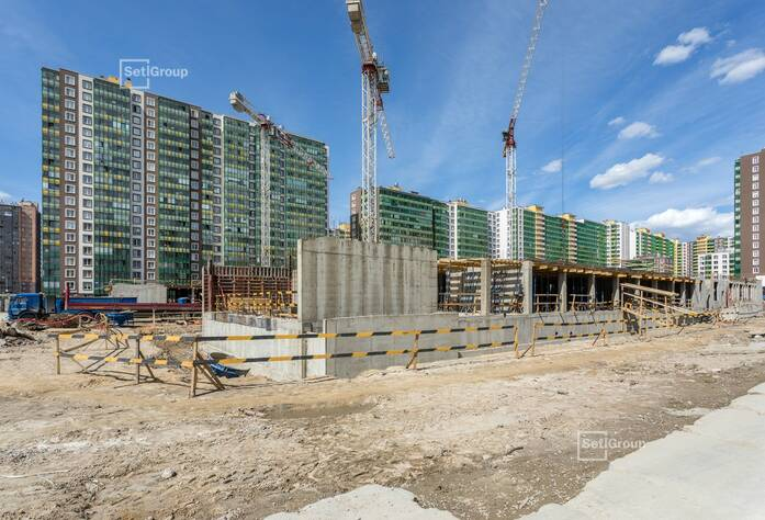 Выполнены работы по устройство монолитных конструкций цокольной части здания.