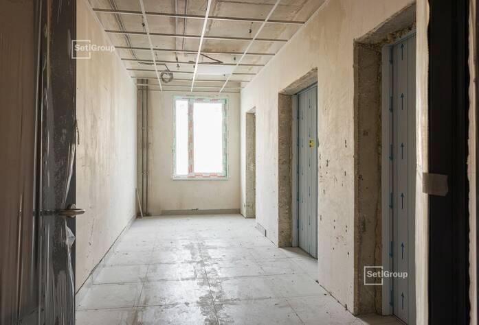 Завершаются работы по устройству керамогранита вентилируемого фасада, выполнено 95%.