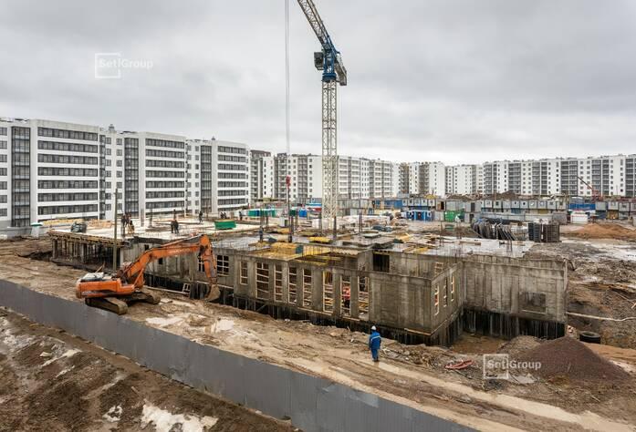 Выполняются работы по проекту организации строительства.