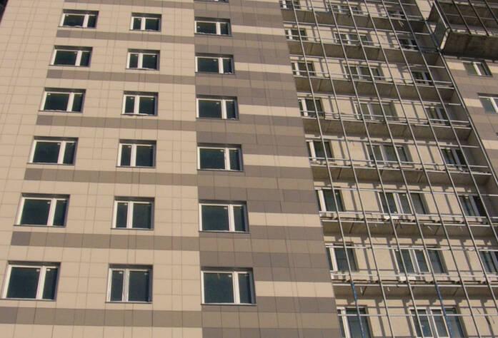 Фасад жилого комплекса «Славбург»