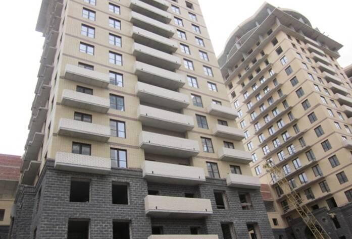 <p>Корпус 1И: Кирпич &ndash; завершены переходные балконы</p>