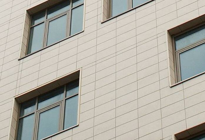 <p>Отделка фасадов жилого комплекса на Каменноостровском проспекте</p>