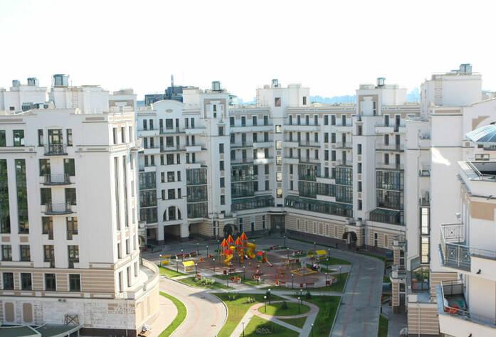 <p>Внутренний двор жилого дома по ул. Кемской</p>