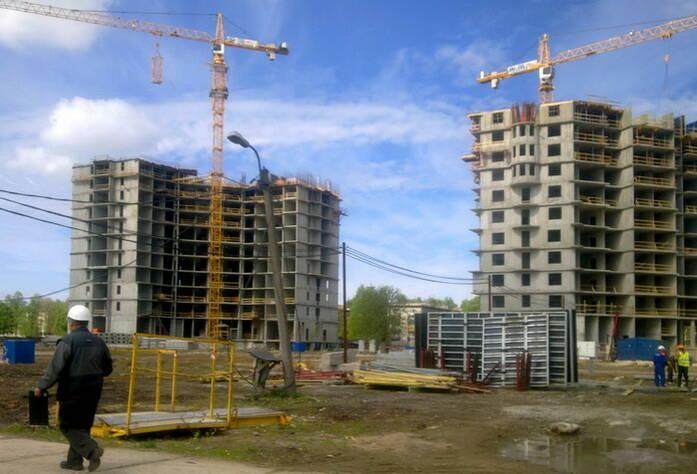 Строительство ЖК «Академ-Парк» (май 2011г.)