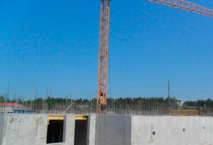 <p>Завершаются работы по бетонированию стен подвала первой очереди, корпус 1 и 2</p>