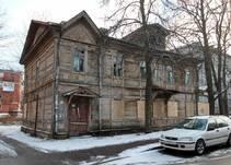 на улице Васенко, 16