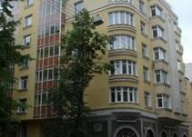 на улице Блохина